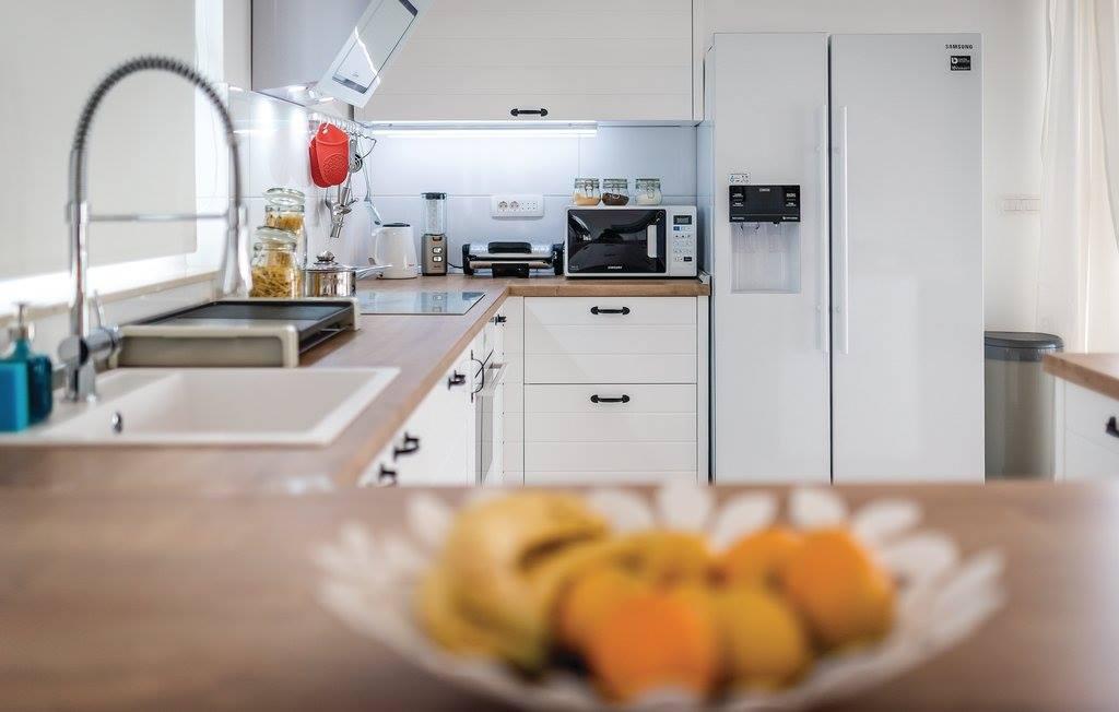 javorović-kuhinja-po-mjeri-bijela