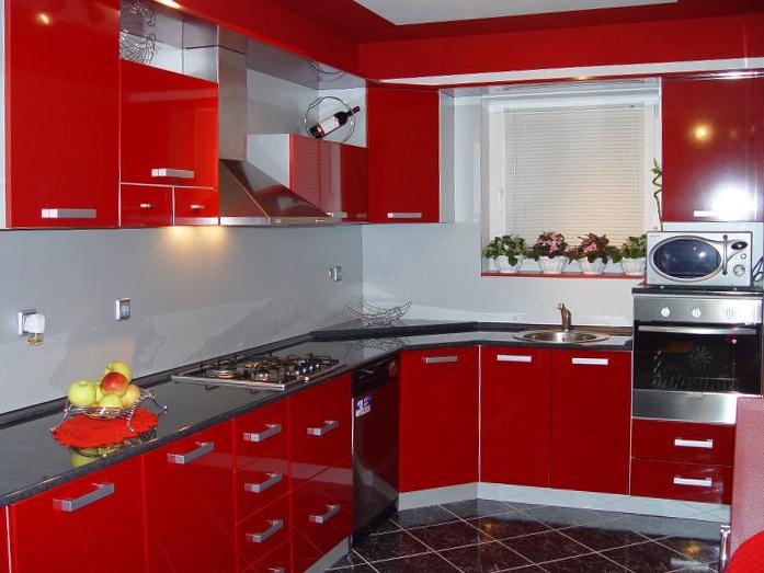 javorović-kuhinja-po-mjeri-crvena-sjaj