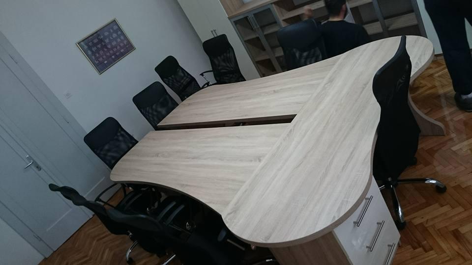 javorović-uredski-stol