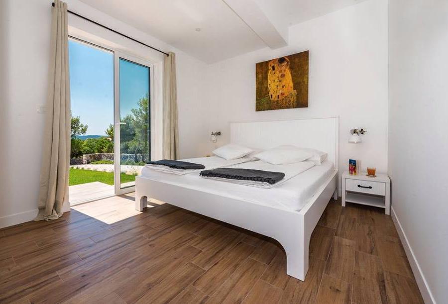 javorović-spavaća-soba-bijela